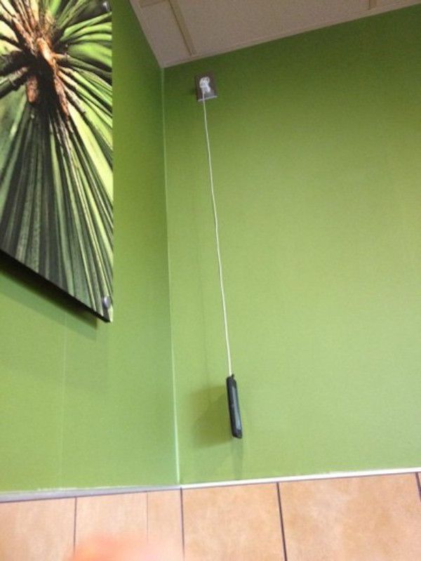 people-will-go-to-desperate-lengths-to-charge-their-phones-22-photos-3
