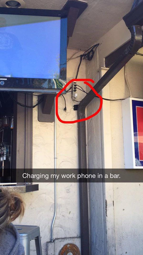 people-will-go-to-desperate-lengths-to-charge-their-phones-22-photos-9