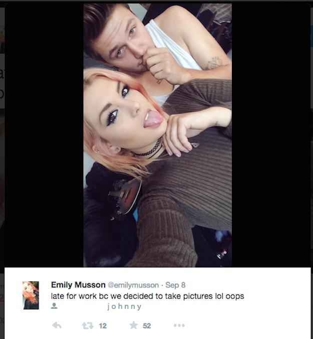 Dziewczyna Codziennie Pokazywała Swoje Seksowne Selfie Z