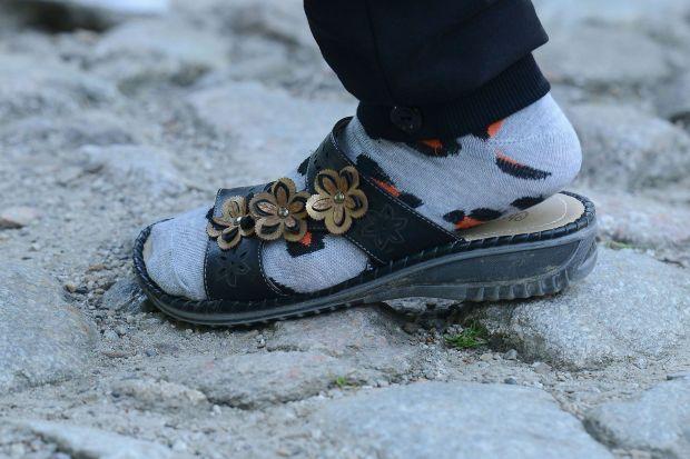 4b530944 W jakich butach tatrzańskie szczyty zdobywają turyści bez wyobraźni? Nie  tylko sandały
