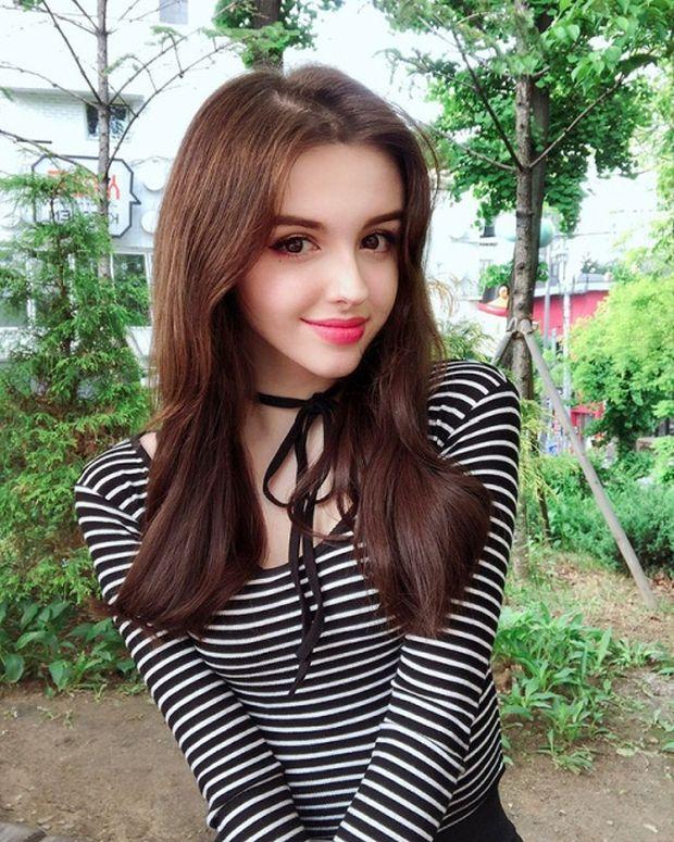 Lat 12 ładne dziewczyny ▷ Sweterki