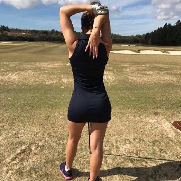 Dziewczyny grają w golfa na joemonster.org