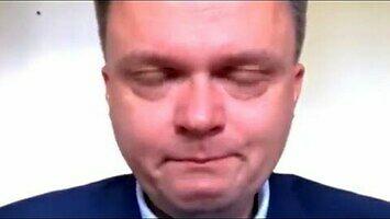 Szymon Hołownia rozpłakał się nad konstytucją