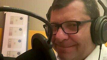 Zbigniew Stonoga rapuje w charytatywnym wyzwaniu #Hot16Challenge