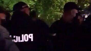 Policja pod osłoną nocy usuwa protestujących przedsiębiorców