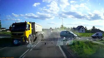 Wypadek na skrzyżowaniu w Adamówce