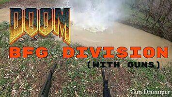 Motyw z Doom zagrany przy pomocy broni palnej