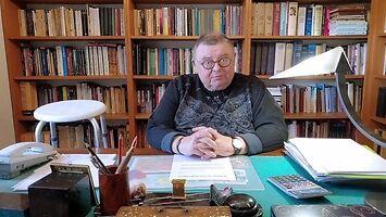 Wojciech Mann i dobrze wyszkolony stołek