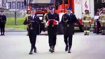 Strażaków marsz nad wyraz paradny