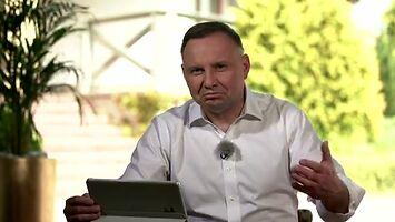 Andrzej Duda nie ma wyboru, musi ponownie walczyć z ostrym cieniem mgły