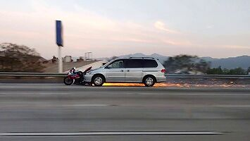 Naćpany kierowca nie zauważył, że potrącił motocyklistę