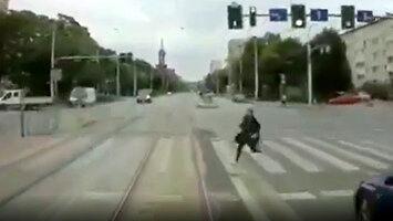 Czołówka pieszej z tramwajem