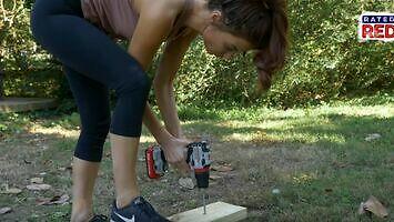 Amanda Mertz buduje hamak