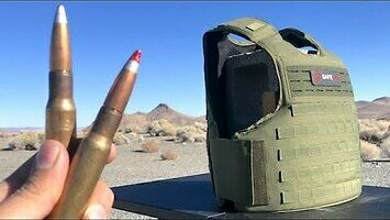Pancerz potrafiący zatrzymać kulę .50 cala