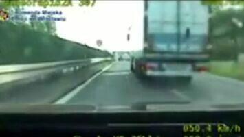 Szeryf w ciężarówce zajechał drogę policjantom