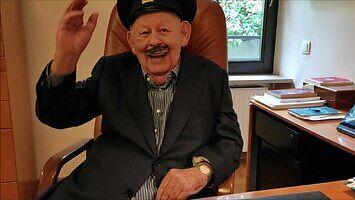 Łukaszenka rezygnuje