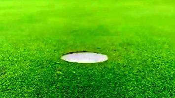 To niewiarygodne, jak łatwo zrobić dziurę na polu golfowym