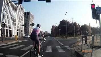 Dlaczego kierowcy nie lubią rowerzystów w obcisłych spodenkach?