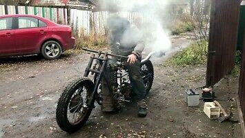 Mad Grigory i jego parowy motocykl