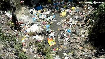Tak wygląda recykling śmieci w Nepalu