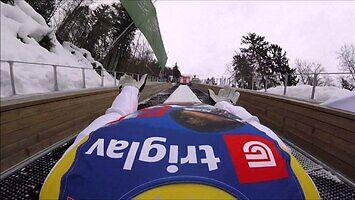 Skok na mamucie z perspektywy kasku skoczka