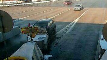 Dlaczego nie warto wyprzedzać przed bramkami na autostradzie