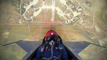 F-16 wlatuje na 4,5 km w 20 sekund
