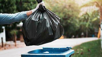 """""""Kochanie, trzeba wynieść śmieci"""""""