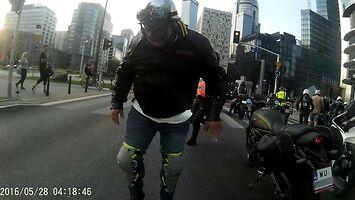 Atak na motocyklistów w Warszawie