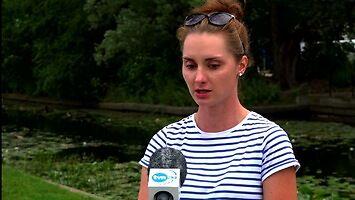 Wskoczyła do rzeki na ratunek kotom