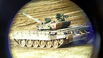 Próbujesz ustrzelić czołg, a tu nagle...