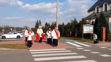 Procesja Eucharystyczna przeciwko koronawirusowi w Mielcu