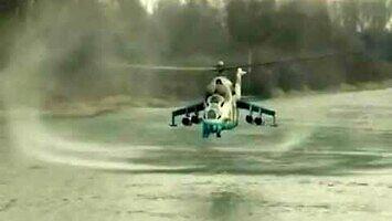 Niski przelot Mi-24 nad wodą