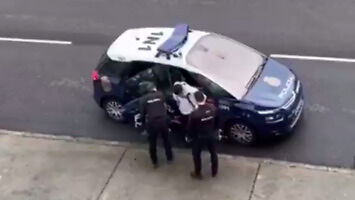 Hiszpańscy policjanci nie powtarzają drugi raz