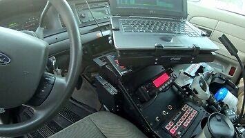 Amerykanski radiowóz jest wyposażony lepiej niż polski komisariat