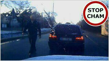 Pobicie kierowcy przez agresora w BMW