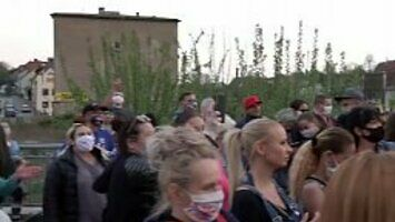 """W piątek w Zgorzelcu ludzie wyszli na ulice i skandowali """"Precz z Kaczyńskim!"""""""