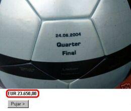 Piłka Beckhama została w końcu sprzedana za 17 milionów dolarów...