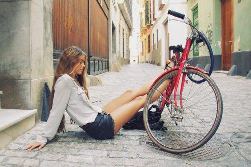 girls-on-bikes-20