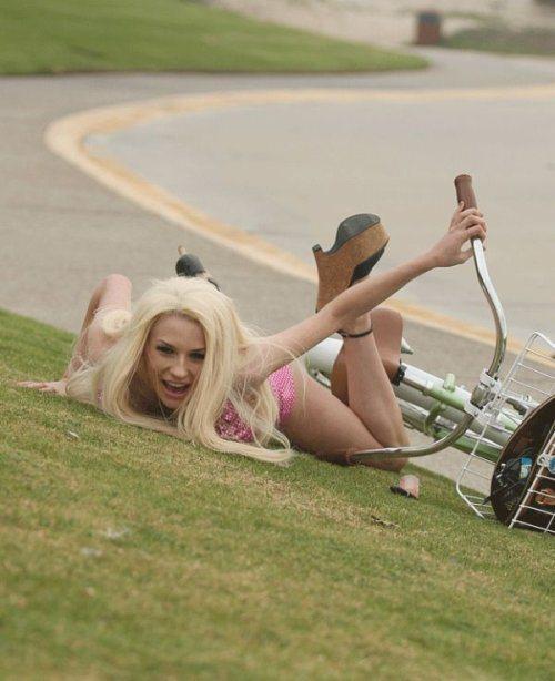 girls-on-bikes-7