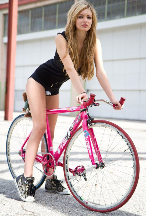 girls-on-bikes-12