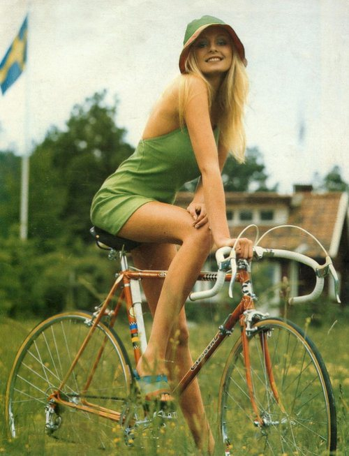 girls-on-bikes-18