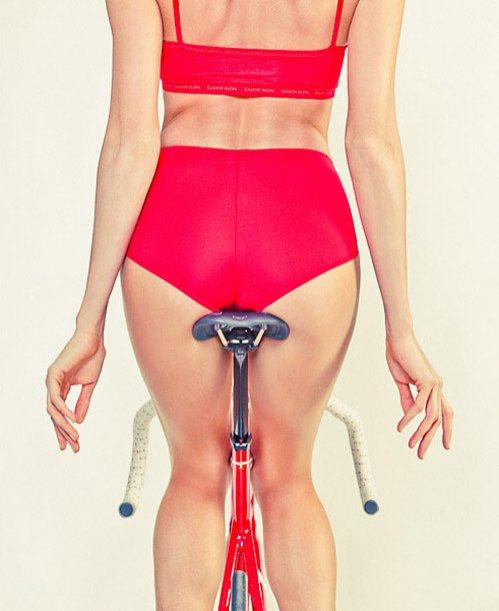 girls-on-bikes-25