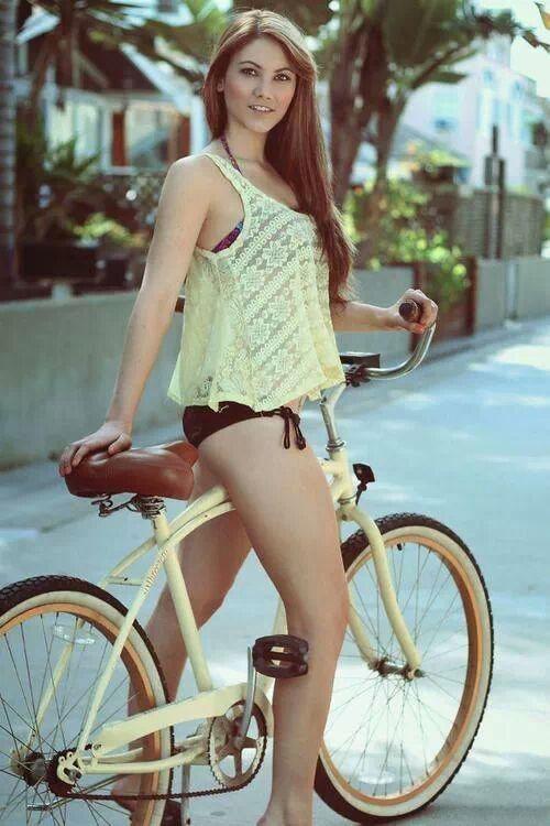 girls-on-bikes-44