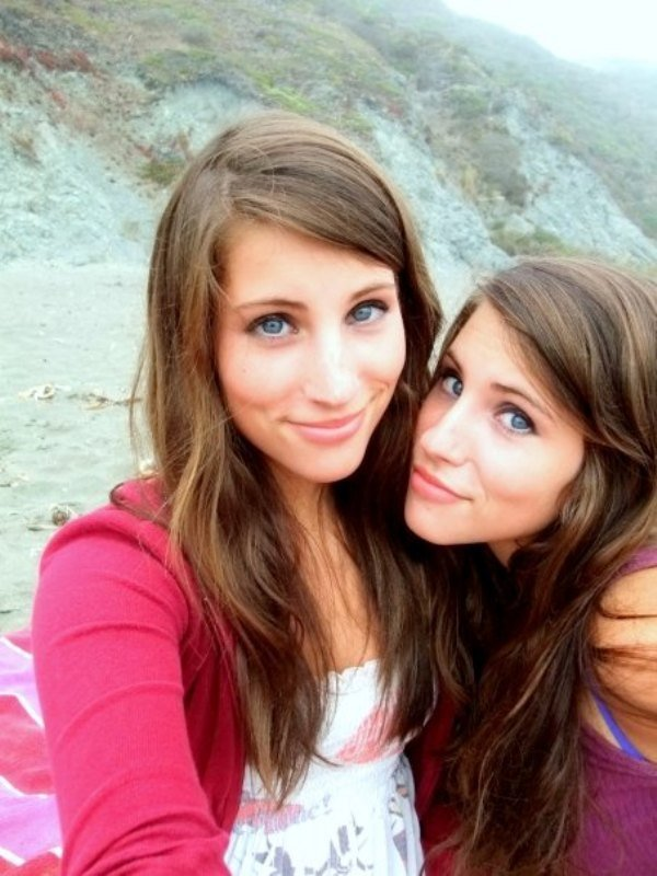twins-are-twice-the-fun-22-photos-10