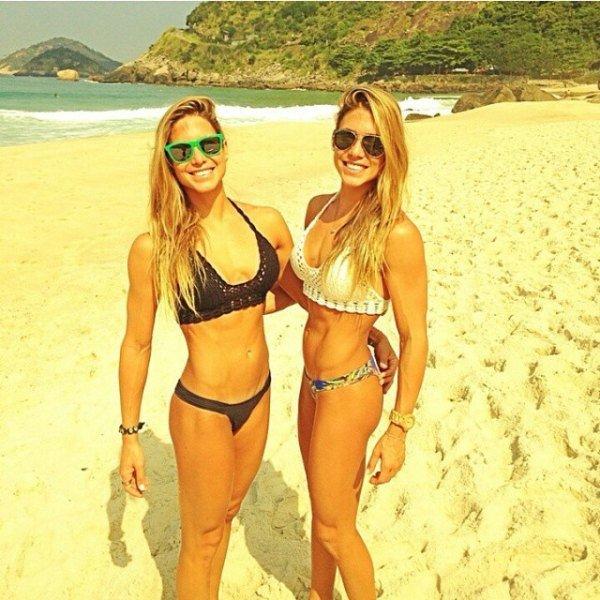 twins-are-twice-the-fun-22-photos-17