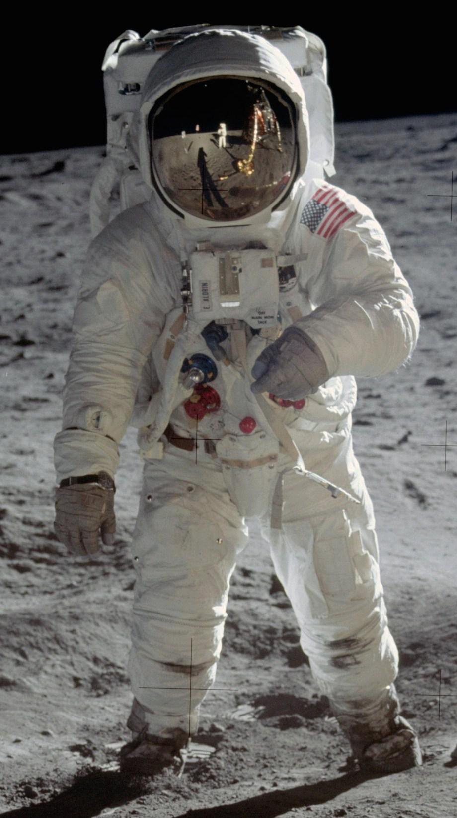 check-out-the-evolution-of-the-space-suit-41-hq-photos-18