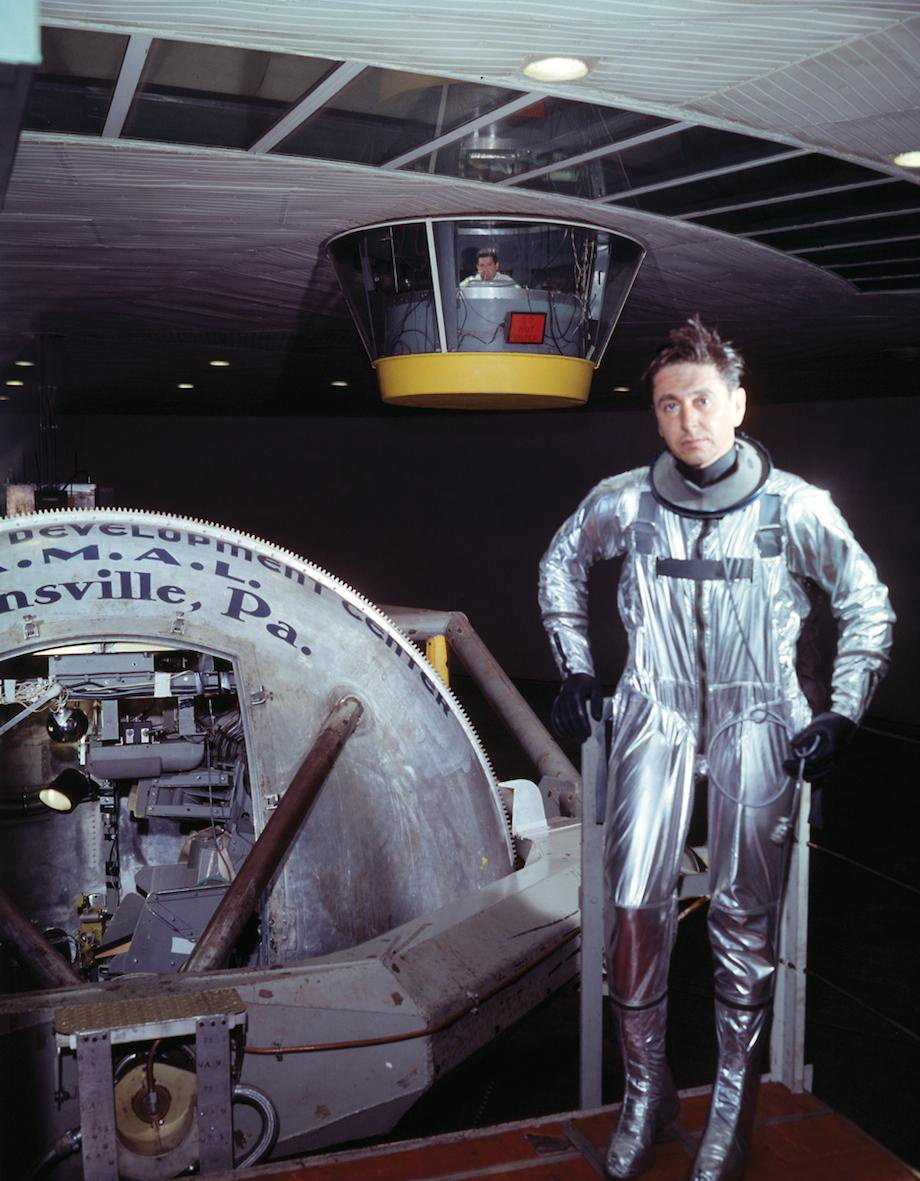 check-out-the-evolution-of-the-space-suit-41-hq-photos-3