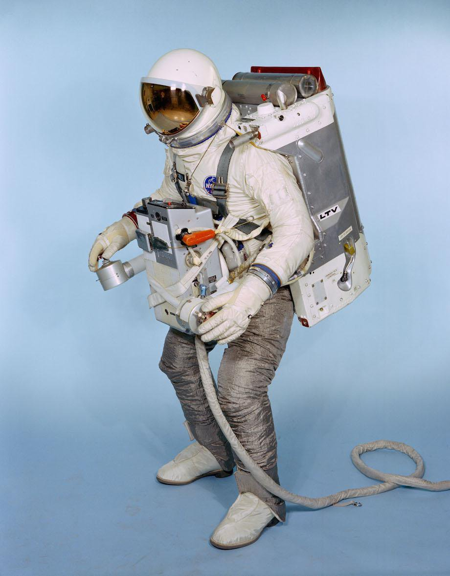check-out-the-evolution-of-the-space-suit-41-hq-photos-14