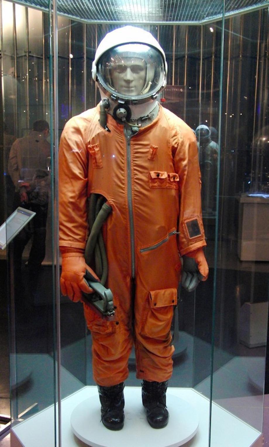 check-out-the-evolution-of-the-space-suit-41-hq-photos-9
